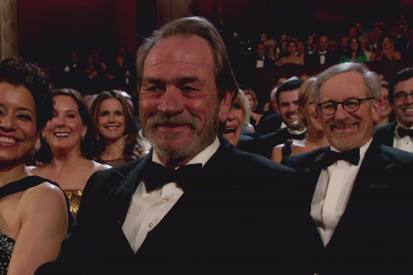 Tommy Lee Jones grins at the Oscars