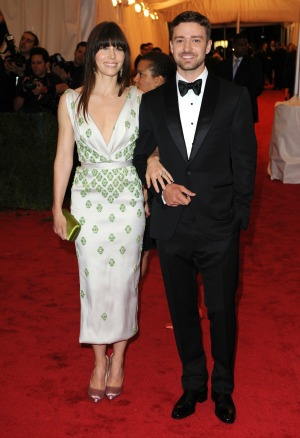 The singer gushes about Jessica Biel