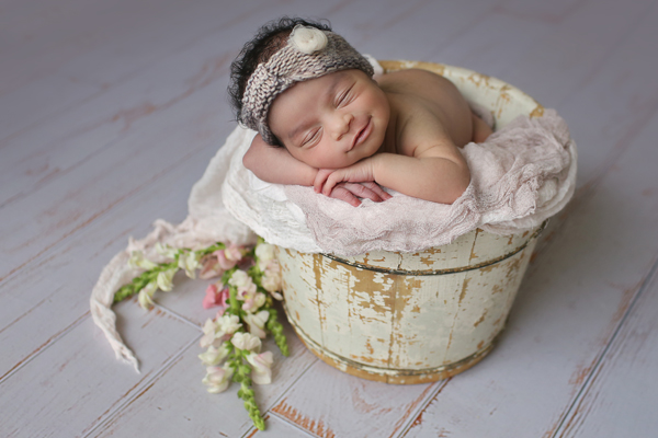 Newborn photography tips for moms