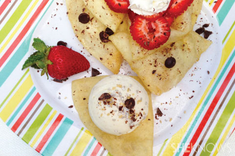 sopapillas with ice cream strawberries and chocolate