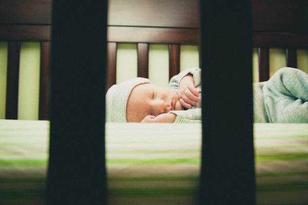 Crib snooze