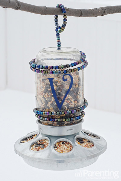 allParenting mason jar bird feeder