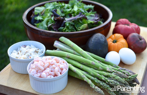 Crab and shrimp salad, Louie style ingredients