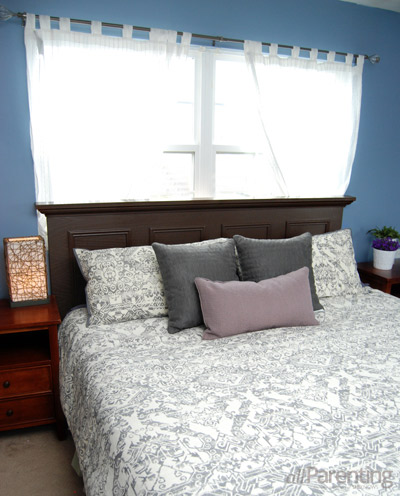 allParenting DIY headboard from door