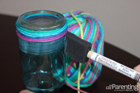 yarn wrapped mothers day vase gluing
