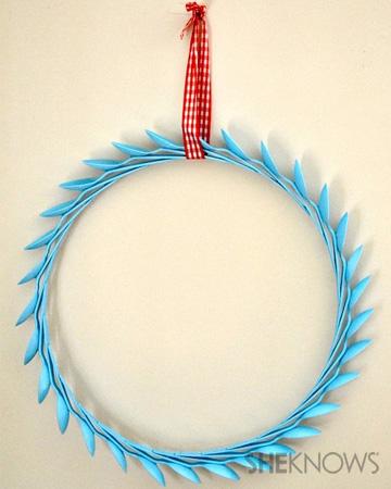 Plastic spoon wreath