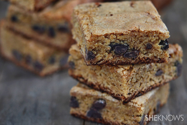 Gluten-free peanut butter chocolate chip blondie bars