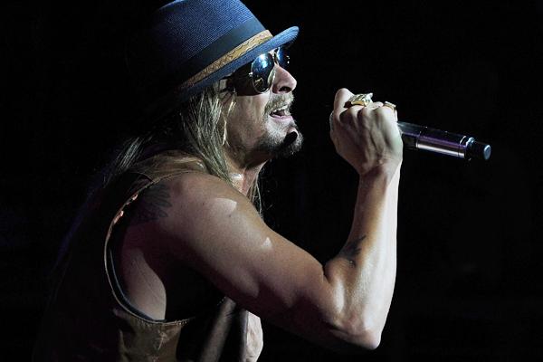 Singer's tour is a true bargain for any fan