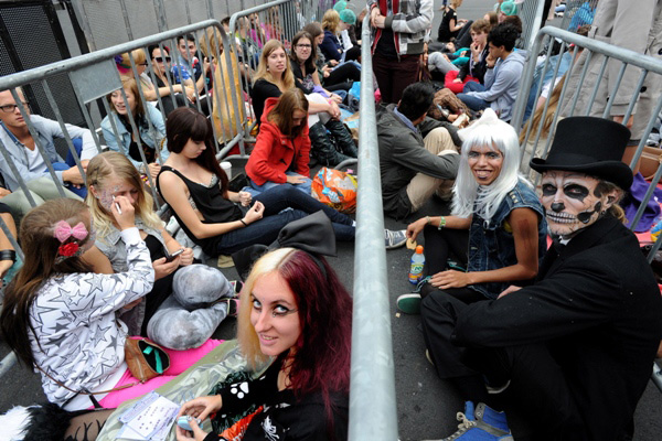 Little Monsters in line