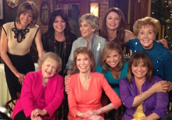 Valerie Bertinelli's twit pic of MTM and HiC gang