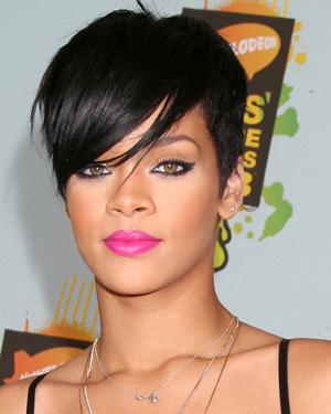 Rihanna wearing fuchsia lipstick