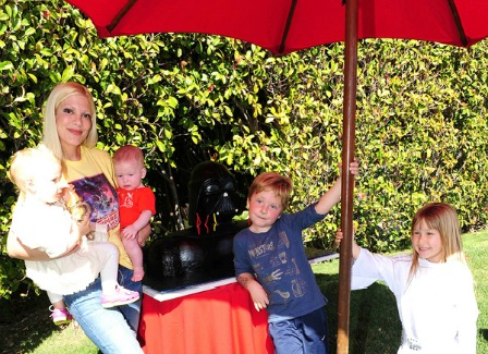 Tori Spelling and kids