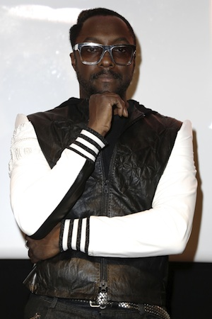 Will.i.am poses in France