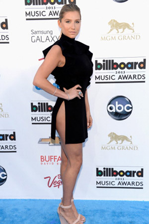 Ke$ha at the 2013 Billboard Music Awards