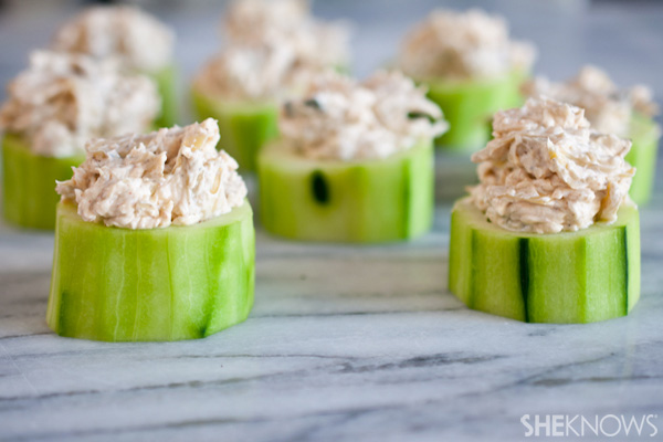 Cucumber cups with skinny artichoke dip