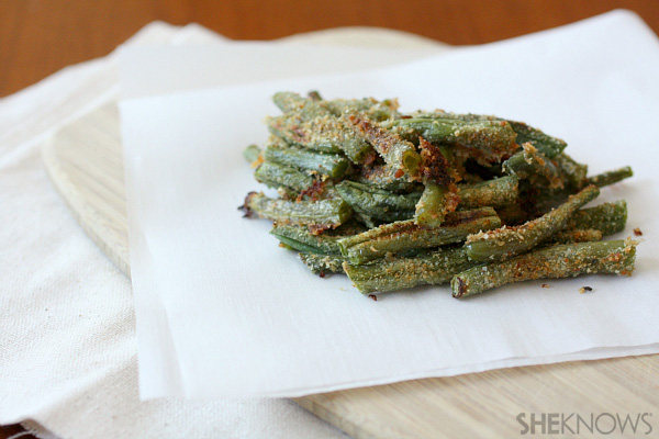 green bean fries are coated in breadcrumbs and Parmesan and baked ...