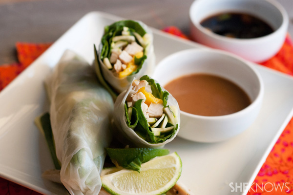 Fresh papaya and chicken spring rolls recipe