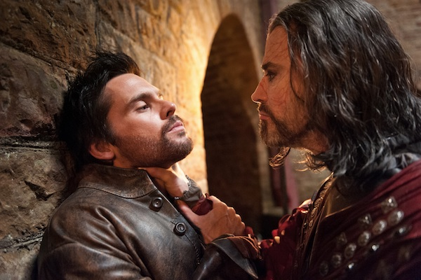 Da Vinci fights Dracula and forgets garlic