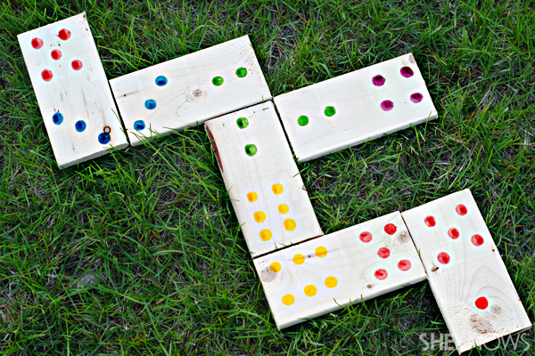 Jumbo lawn dominoes