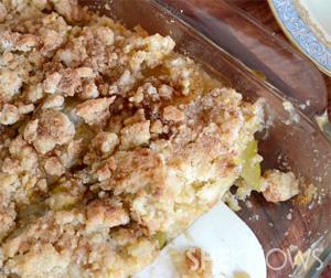 Apple ginger streusel bars