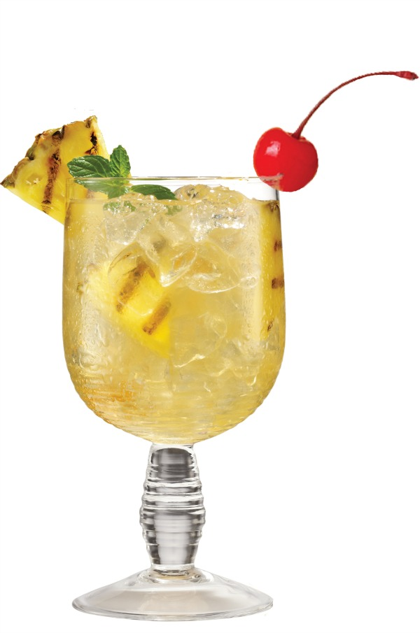 ... parts sparkling water 1 part pineapple juice pineapple wedge for