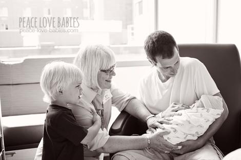 Birth photography- Peace Love Babies