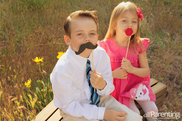 diy photo props lips and moustaches