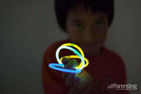allParenting nighttime activities glow bracelets