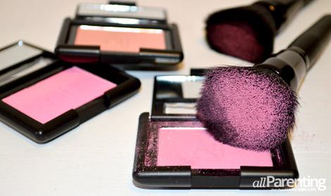 Pink halo makeup supplies