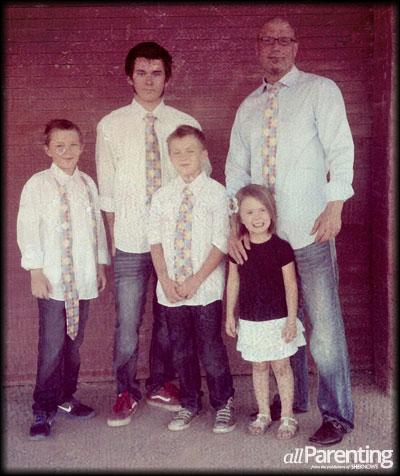 Jason VandeVoorde and children