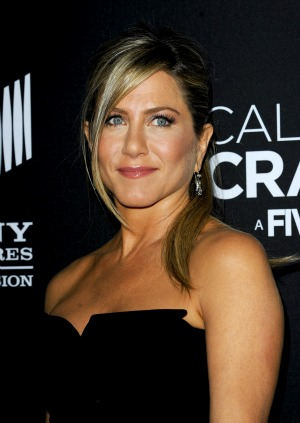Jennifer Aniston strips in trailer for We're The Millers