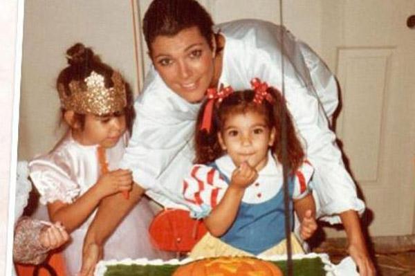 Kris Jenner with Kourtney and Kim Kardashian as kids