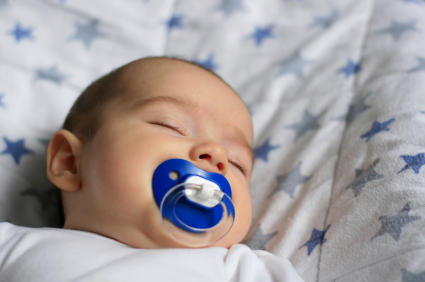 Parents' pacifier habit may lower baby's allergy risk