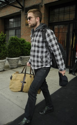 Pattinson packs up