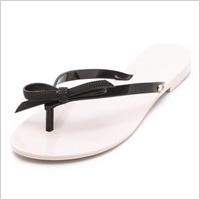 Fashionable flip flop picks