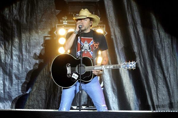 Jason Aldean in concert