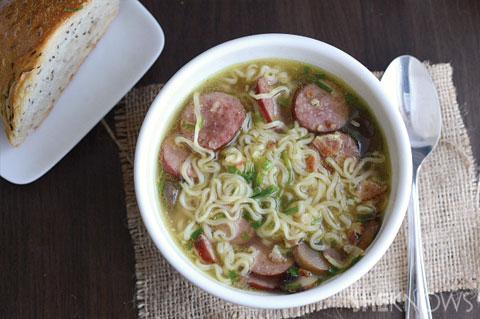 Easy bratwurst soup