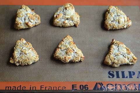 Almond apple scones