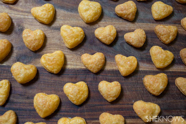 Ditch the goldfish: Make your own cheesy snacks | SheKnows