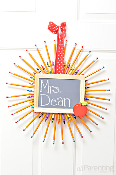 allParenting Pencil wreath