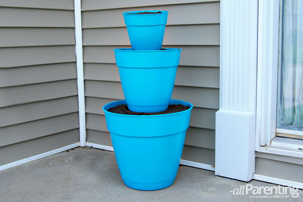 allParenting stacked pot planter step 4