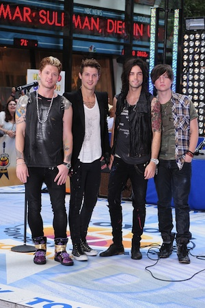 Hot Chelle Rae's going on the road with Bieber