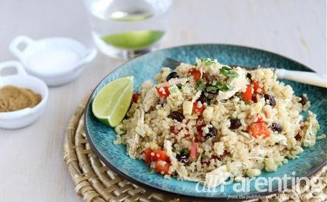 Quinoa salad with chicken, black beans and chipotle dressing