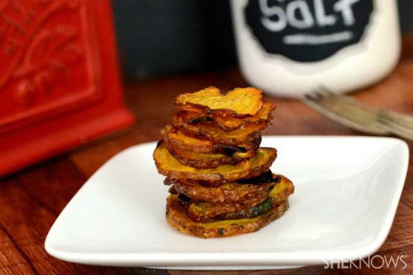 Baked yellow beet chips
