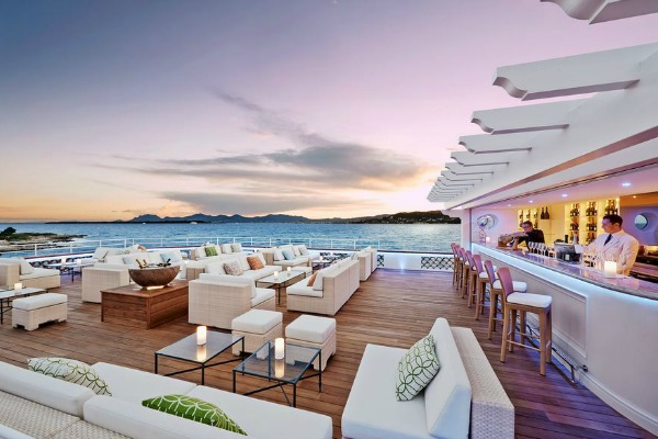 Best hotels around the world for cocktail connoisseurs for Top 10 design hotels