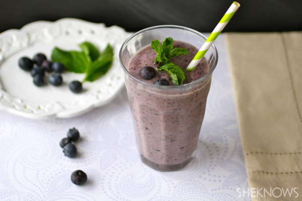 Blueberry-mint chia seed smoothies