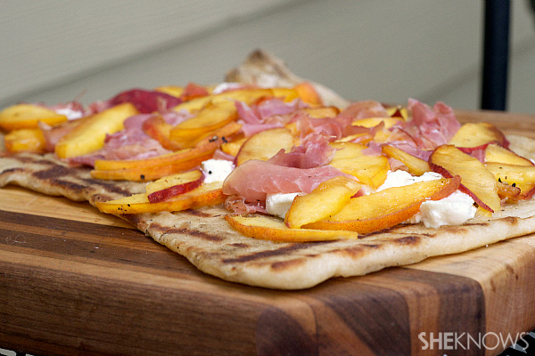 3 easy grilled pizzas
