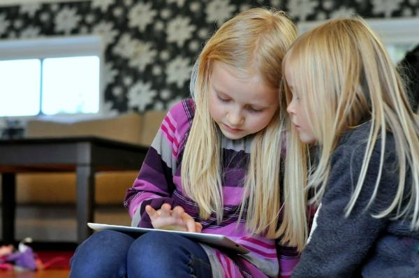Little girls on iPad