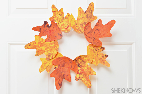 Marbled leaf wreath