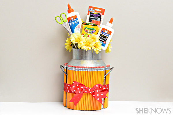 Back-to-school teacher gift - School supply bouquet